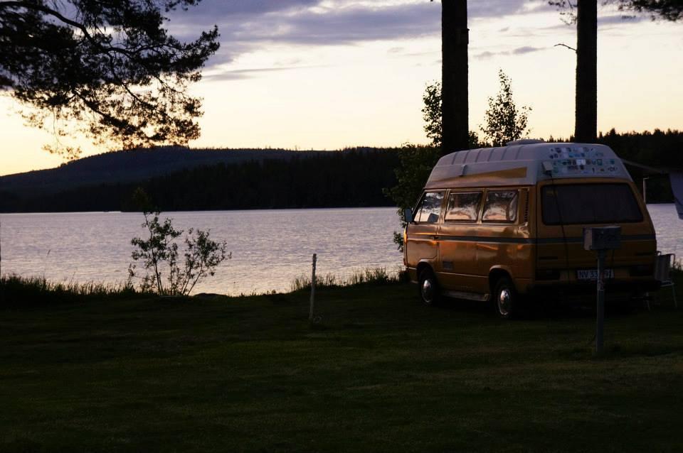Overview camper lake side